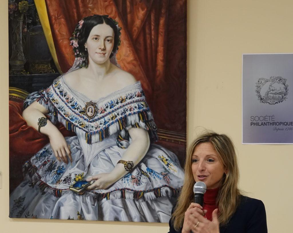 Aude Lagarde, maire de Drancy, sous le regard de la Baronne de Ladoucette