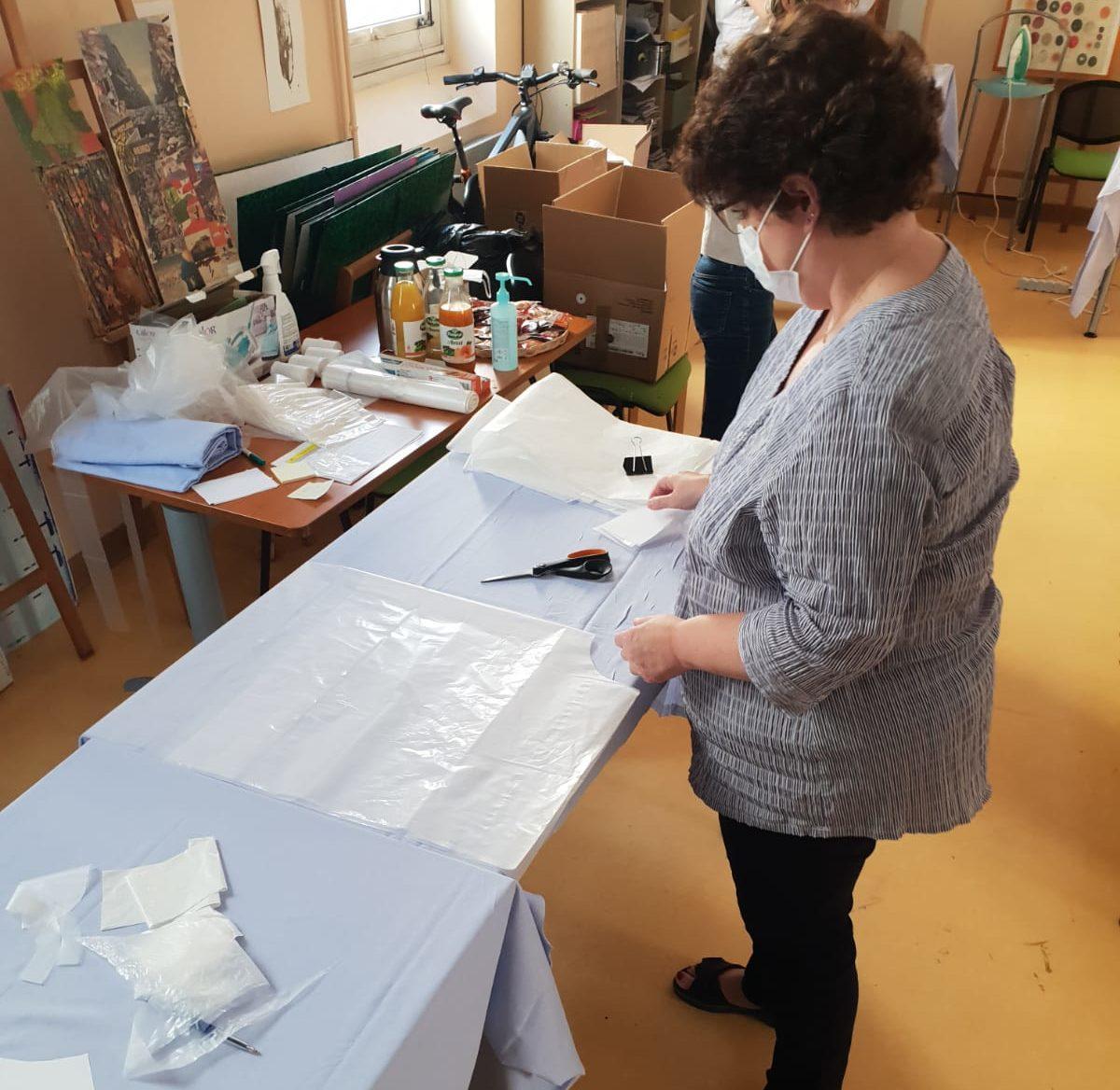 L'atelier blouses à l'hôpital Goüin