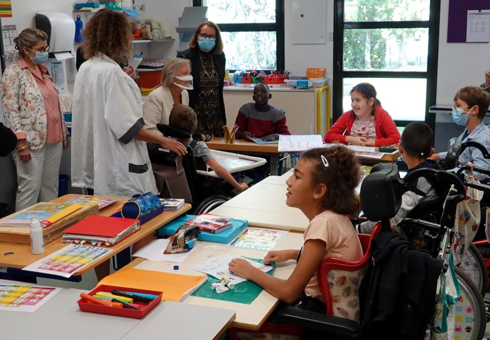 Visite d'une salle de classe de l'IEM le Château de Bailly