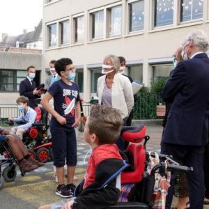 Sophie Cluzel en visite à l'IEM le Château de Bailly