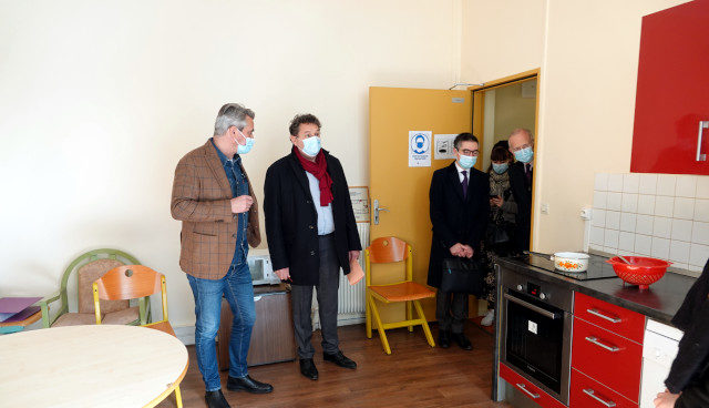 Le Maire du 18ème visite le CHS/ESI Georgette Agutte